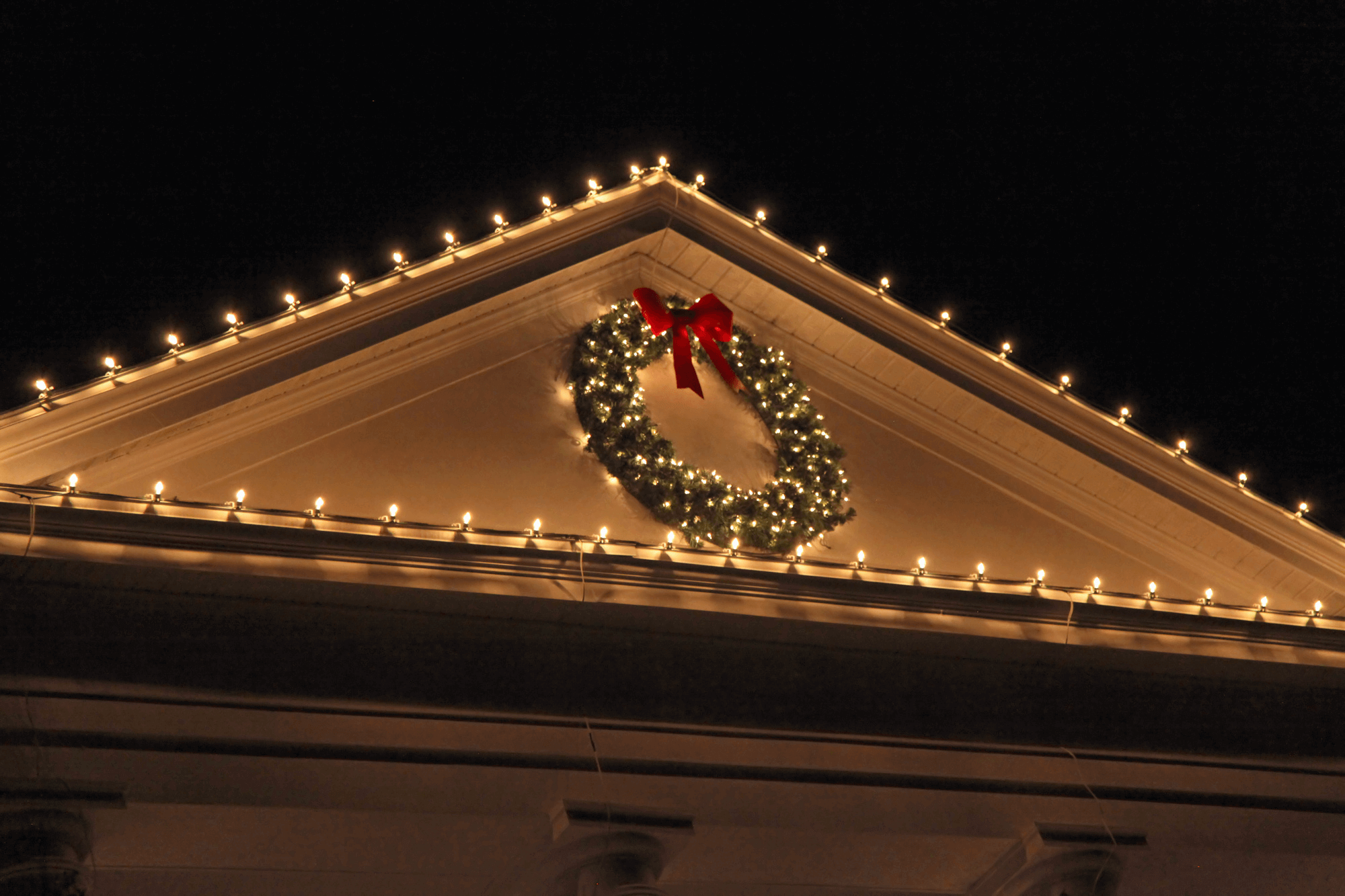 Damage-Free Decor: How to Decorate for the Holidays Without Damaging Your Roof
